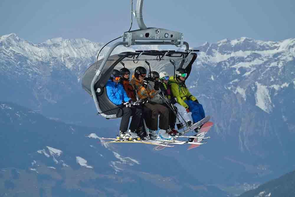 スノーボードを履いて立ち上がってみよう