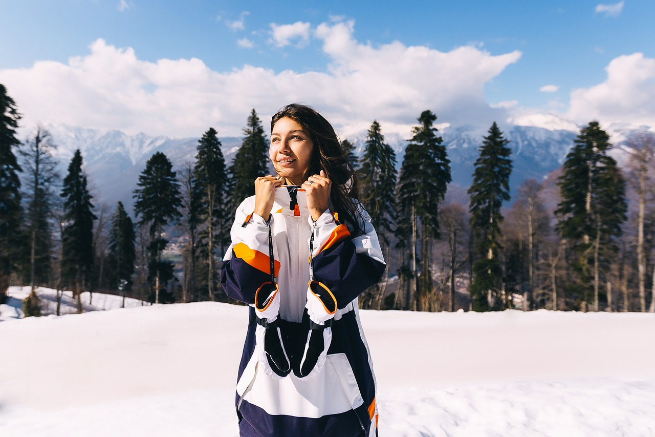スノーボードで滑るときにポケットに入れておくと便利なもの5つ(女子編)